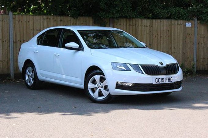 SKODA OCTAVIA 1.0 TSi SE Technology Manual